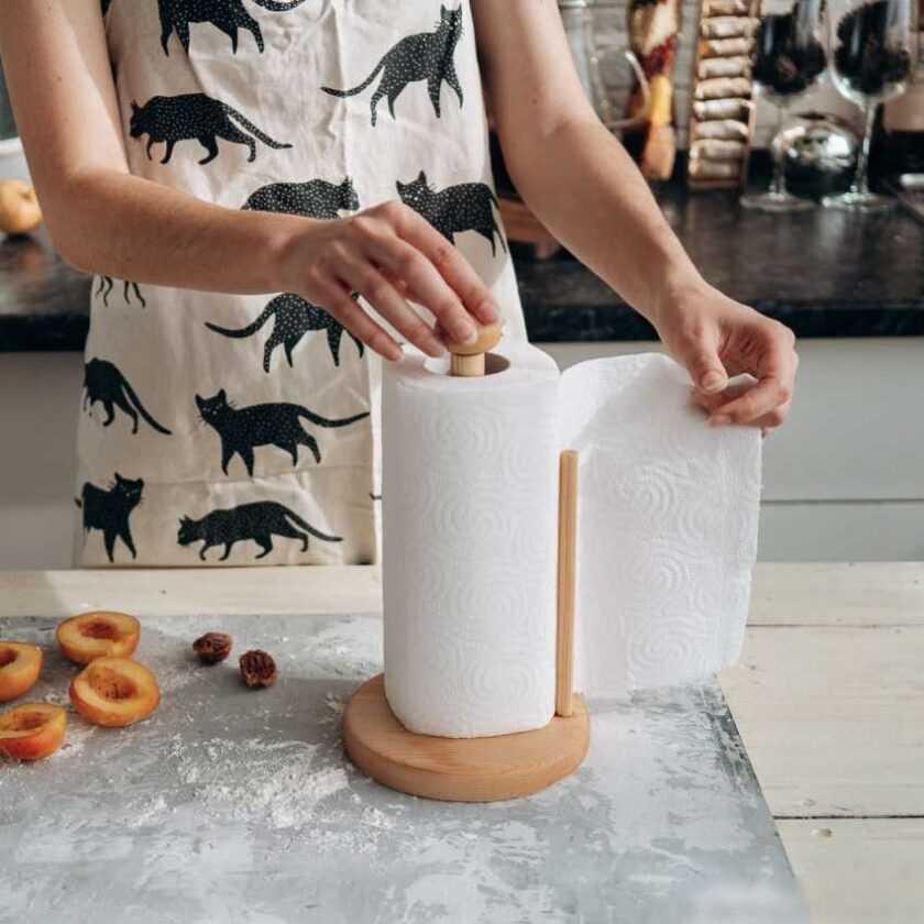 Держатель для бумажных полотенец — 100 фото лучших примеров размещения в интерьере кухни
