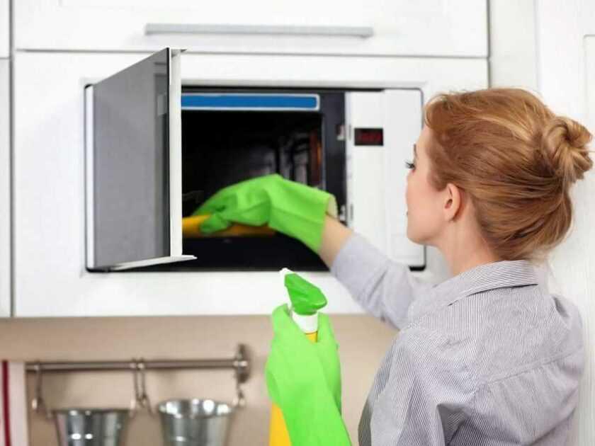 Как помыть микроволновку: лучшие способы быстрой очистки грязной микроволновки своими руками