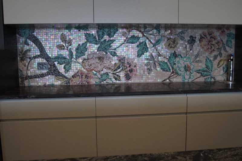 Мозаика на кухне — фото современных дизайнов, выбор материалов и цветовой гаммы + правила ухода за фартуком