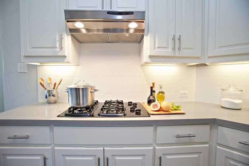Хорошая вытяжка - важный элемент любой кухни